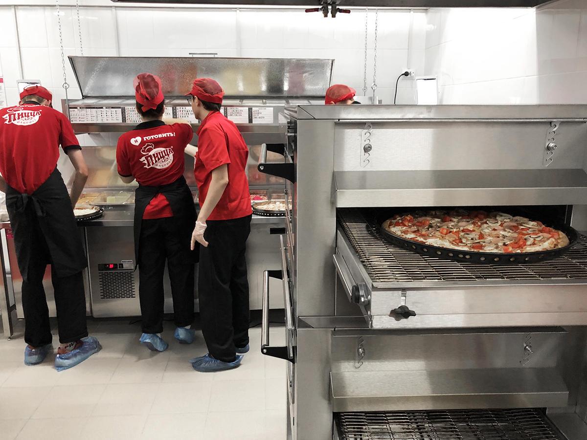 Кухня ПиццаФабрики в Тольятти